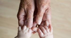 پیری دستچگونه می توانیم دستانی زیبا داشته باشیم؟