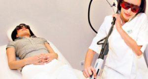 لیزر درمانی برای از بین بردن موهای زائد پا