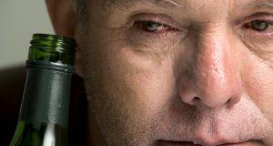 و پوست0 300x160 - تاثیرات نوشیدن الکل بر روی پوست!