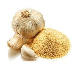 garlic powder 250x250 - همه چیز درباره زگیل تناسلی و 7 مورد از بهترین درمان های خانگی آن