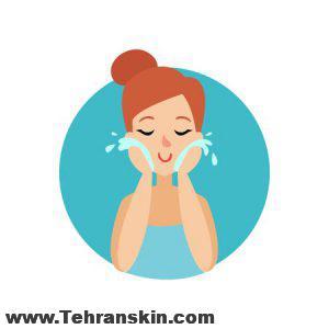3 300x300 - مهمترین نکات برای پاکسازی پوست صورت در دوران قرنطینه